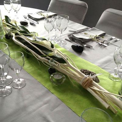 D coration mariage plan de table bois des fleurs plein la t te - Decoration de table en bois ...